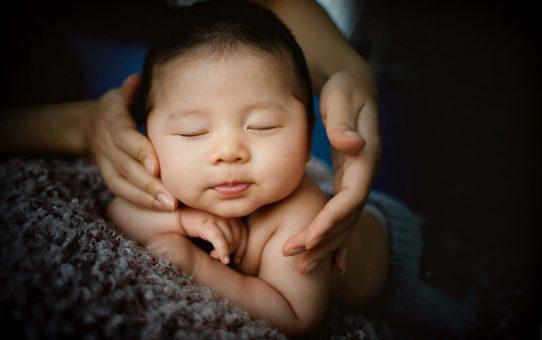 L'ostéopathie chez les bébés, quand et pourquoi?